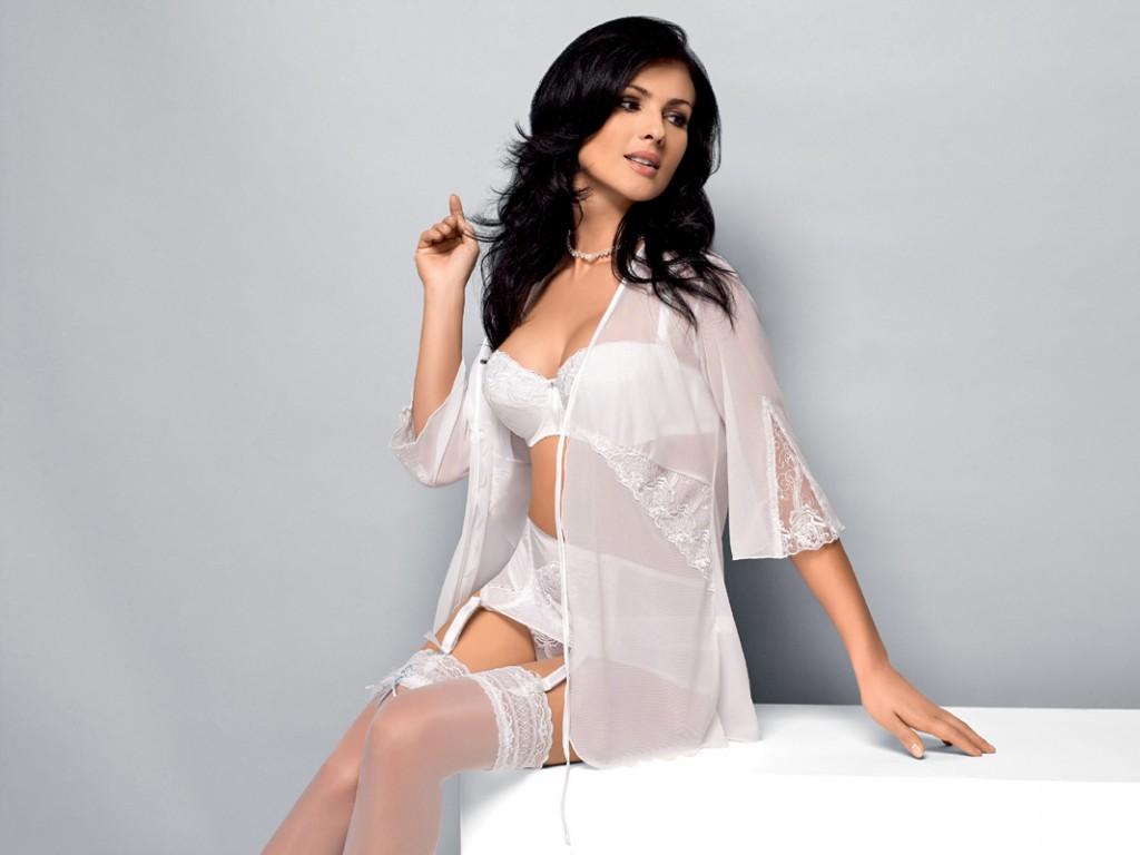 Donna in bianco K093