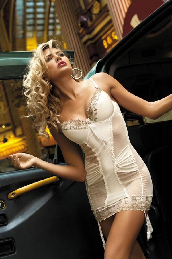 kinga-lingerie-2534-london