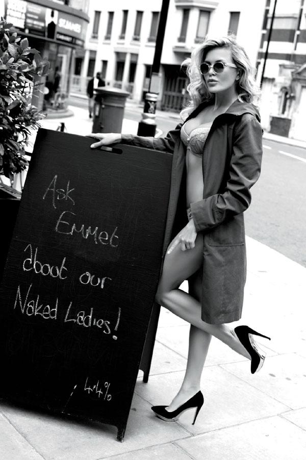 kinga-lingerie-black&white