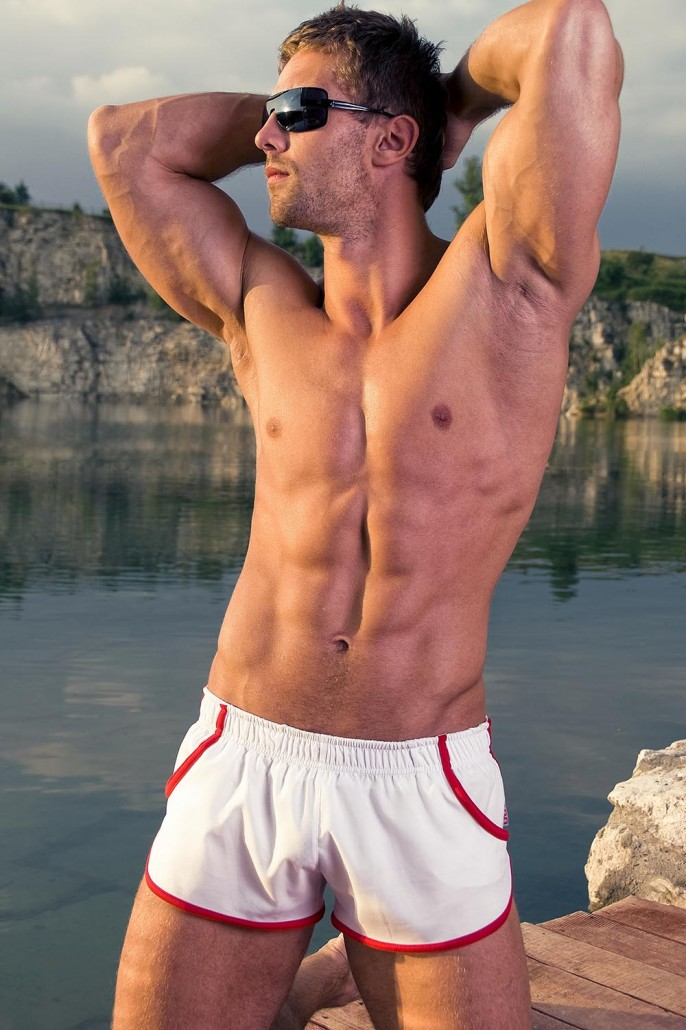 men-beachwear-sporty-shorts